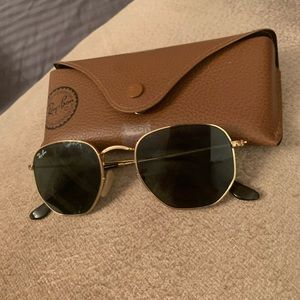 Ray-Ban 51021 aviator sunglasses barely worn